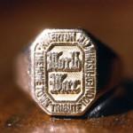 WWI signet ring top