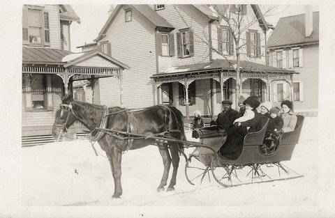Gertrude Wright out for a sleigh ride in Riverton, 1914