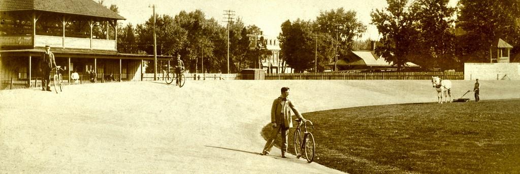 bike track pano perk web resolution