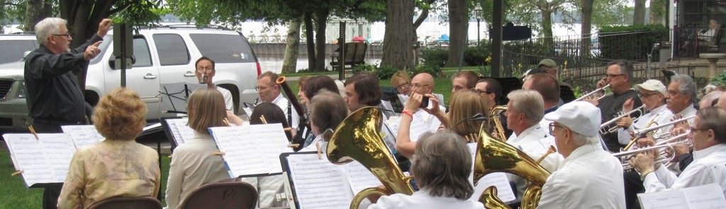 Moorestown Community Band, L. Bruce Smith, conductor