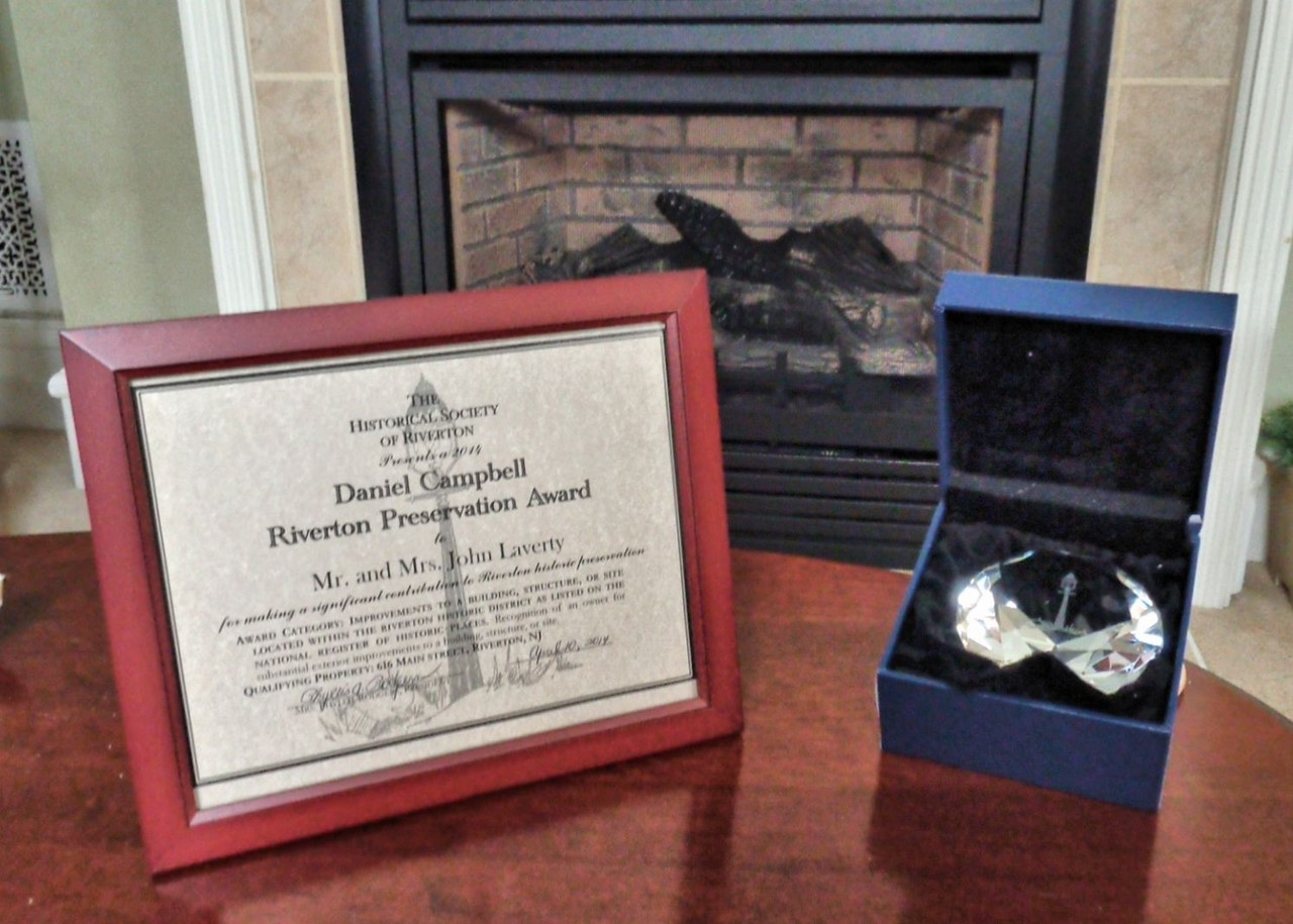 Michael spinelli historical society of riverton nj award certificate and etched crystal paperweight hexwebz Images